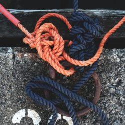"""""""C"""" – słownik pojęć żeglarskich."""