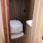 Kabina WC na jachcie Phobos 29