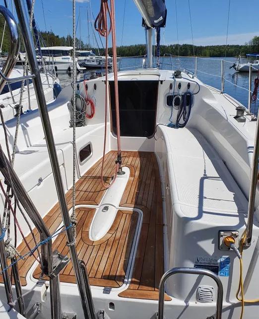 Kokpit jachtu Antila 27